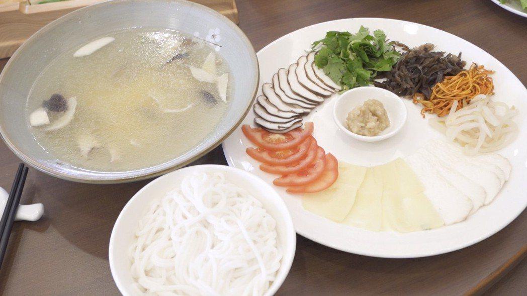 雲南過橋米線。 雲南省餐飲與美食行業協會/提供