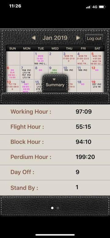 桃園機師工會理事、資深機長梁學賢拿出今年1月打卡紀錄,總工時直逼200小時,大聲...