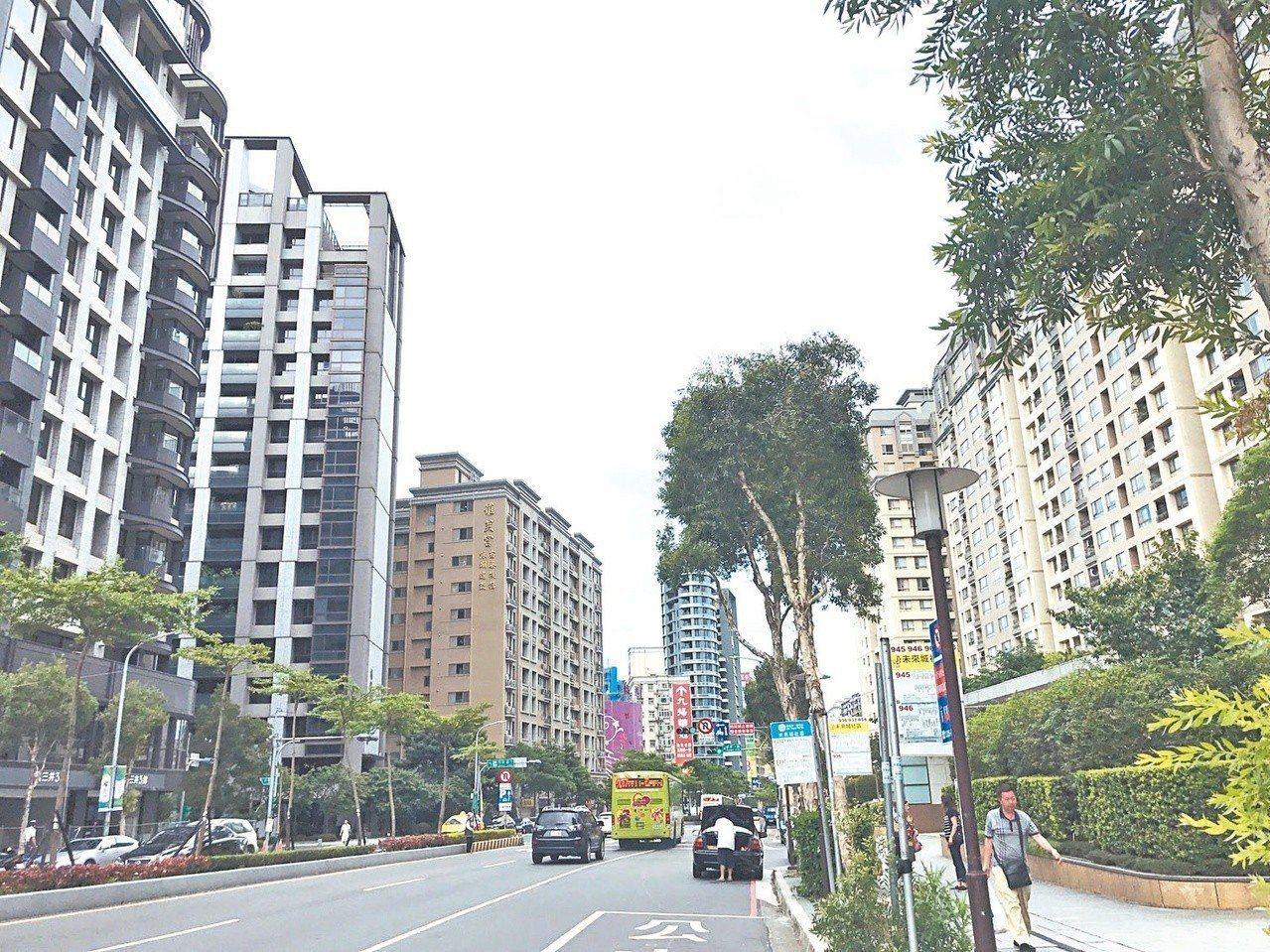 房仲建議,有意購屋的民眾可多參考區域的超值路段,從中選擇適合自己的區位及生活圈。...