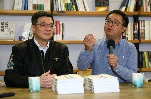 民進黨主席卓榮泰(左)秘書長羅文嘉(右)。圖/聯合報系資料照片
