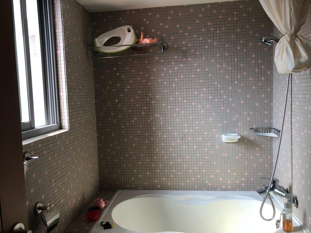 據調查顯示,看屋族購屋條件中「廁所有窗」很重要。圖/信義房屋提供
