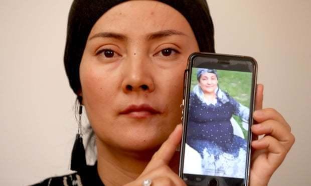 居住在澳洲亞阿得雷德的阿卜杜呼帕爾表示,她遭到中國警方騷擾。翻攝自衛報