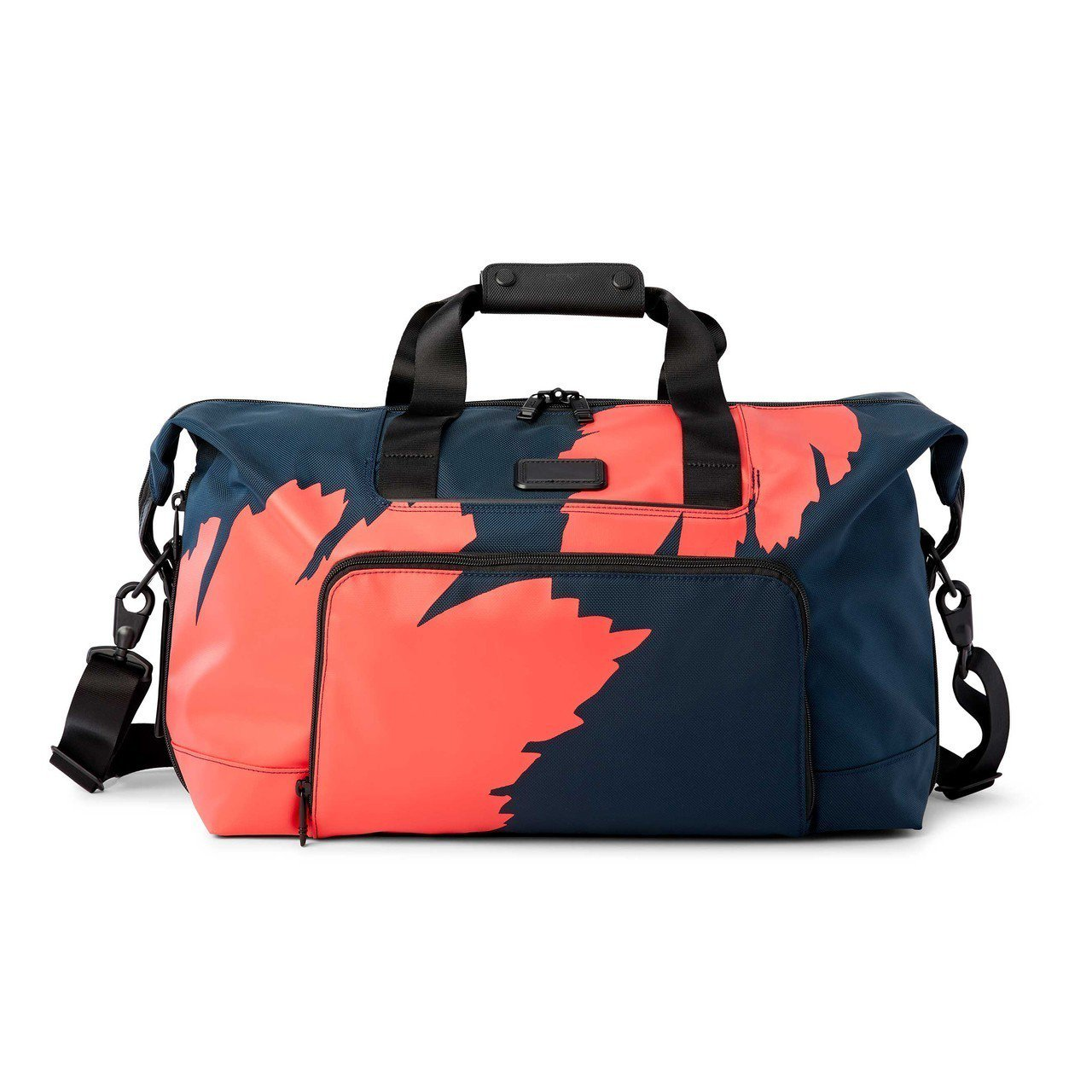 TUMI Alpha 3系列剛果印花旅行袋18,800元。圖/TUMI提供