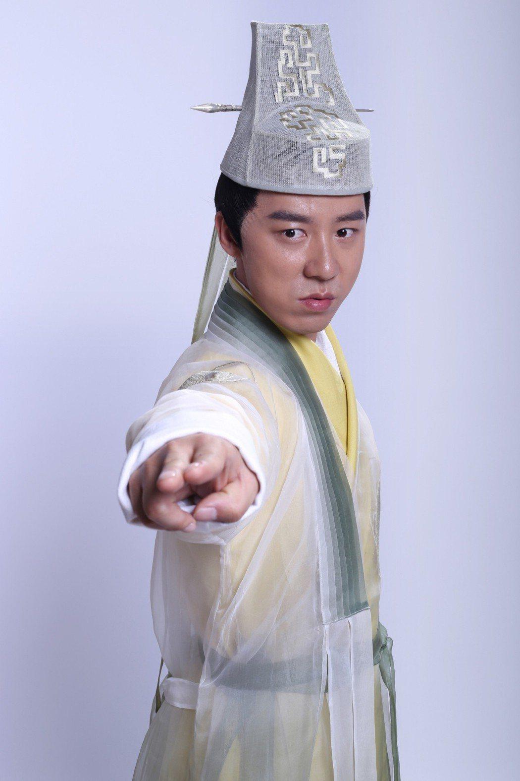 王茂蕾飾趙志敬。圖/中視提供