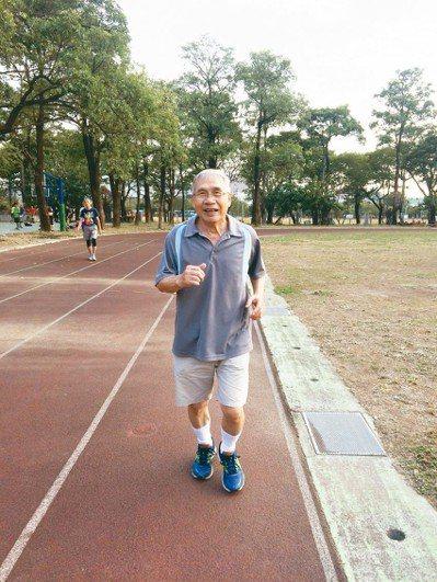 現在已經七十,能跑能跳,沒有三高和慢性病,覺得很幸福,是上天的憐愛。 圖/鍾亮恩...