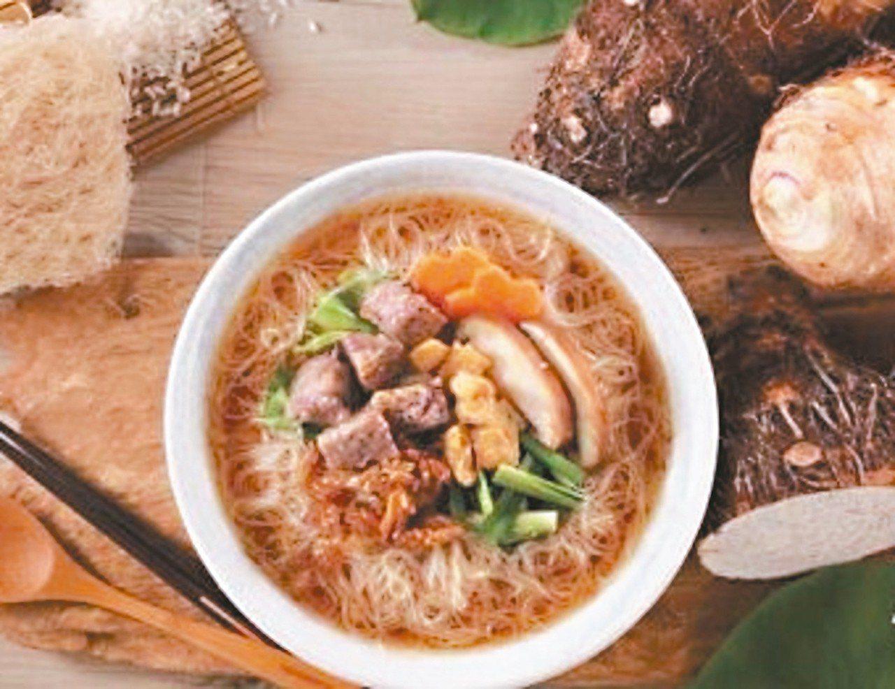 大甲農會指出,「芋鄉米粉」堅持以純米製造,特殊冷磨技術提升口感,融入芋頭風味與營...