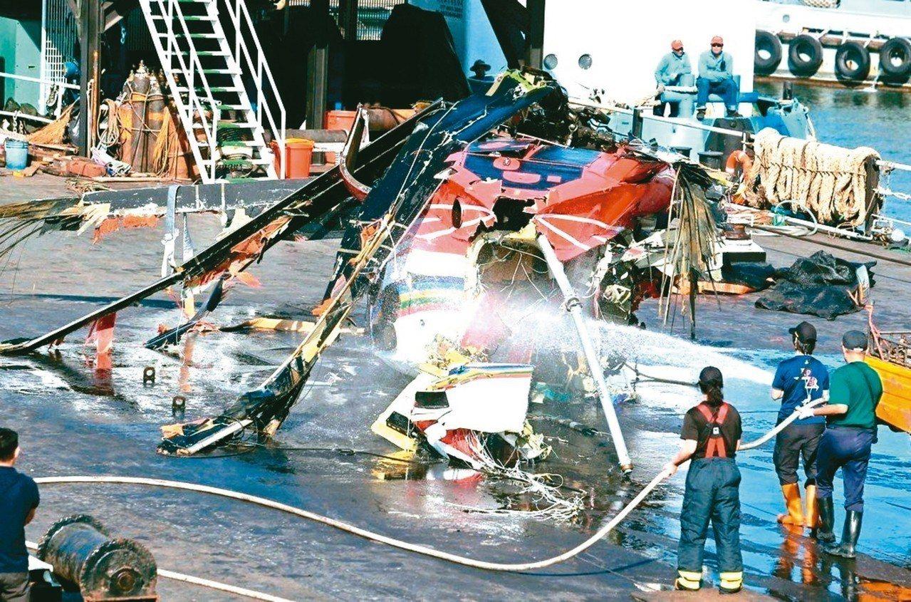 蘭嶼衛生所護理師蔡邑敏去年二月執行病患後送任務時,搭乘直升機墜海殉職,銓敘部堅持...