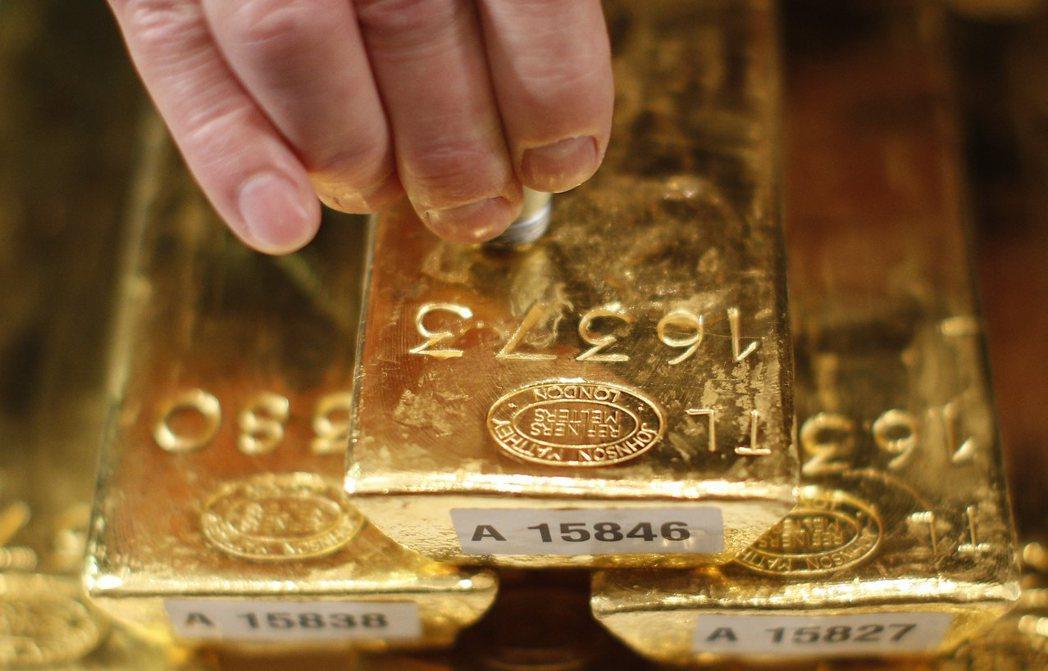 國內外經濟變數連天,黃金又重新吸引投資人的目光。 (路透資料照片)
