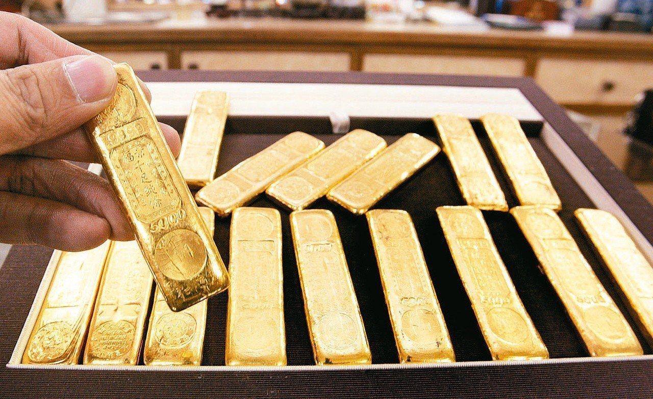 法人表示,投資人可趁淡季回檔時,逢低布局黃金。 圖/聯合報系資料照片