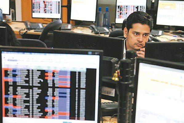 印度企業今年獲利看增21%,再加上政策利多加持,股市後市可期。 (彭博資訊)