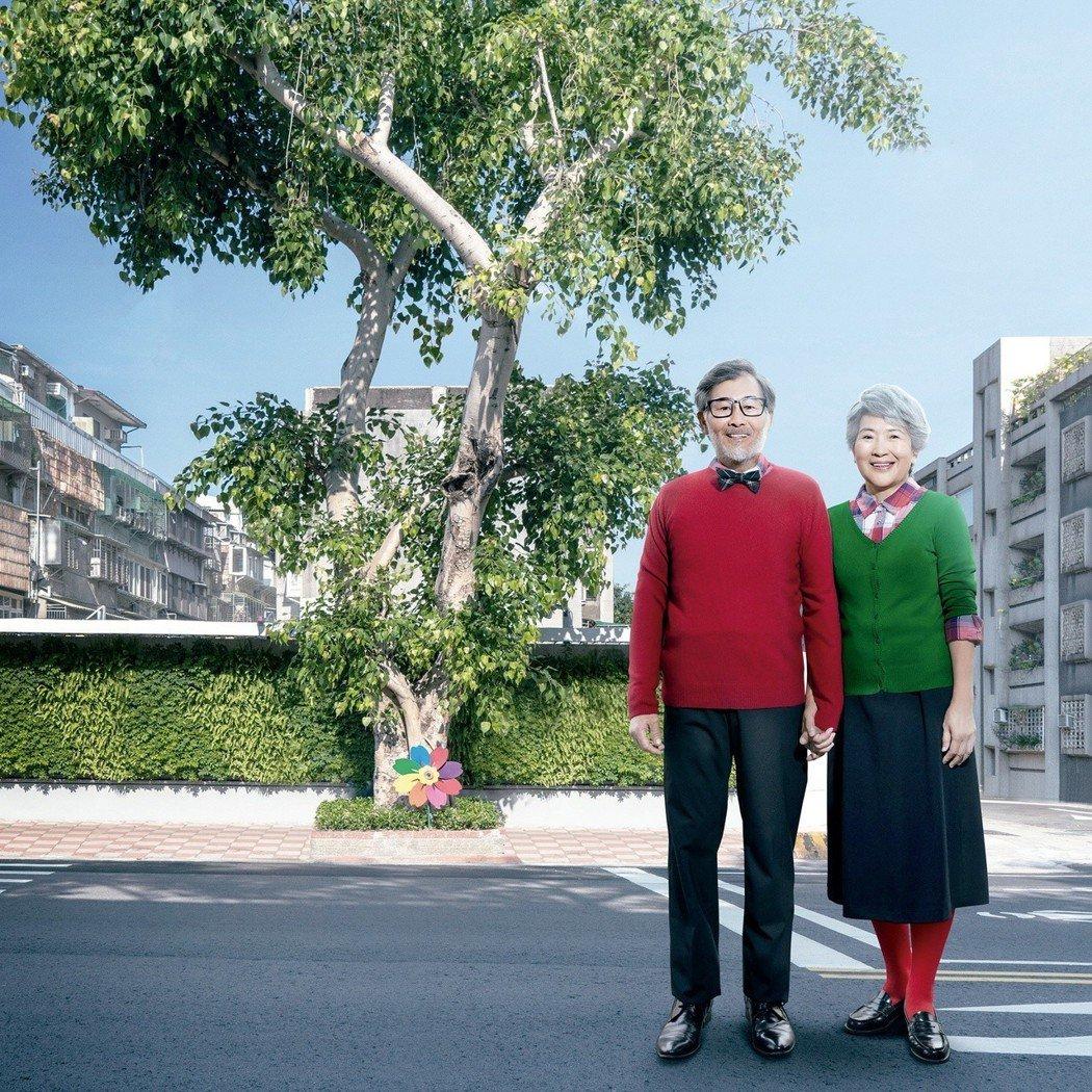 民生社區最具指標的夫妻樹,與敦品浪漫比鄰。 業者/提供