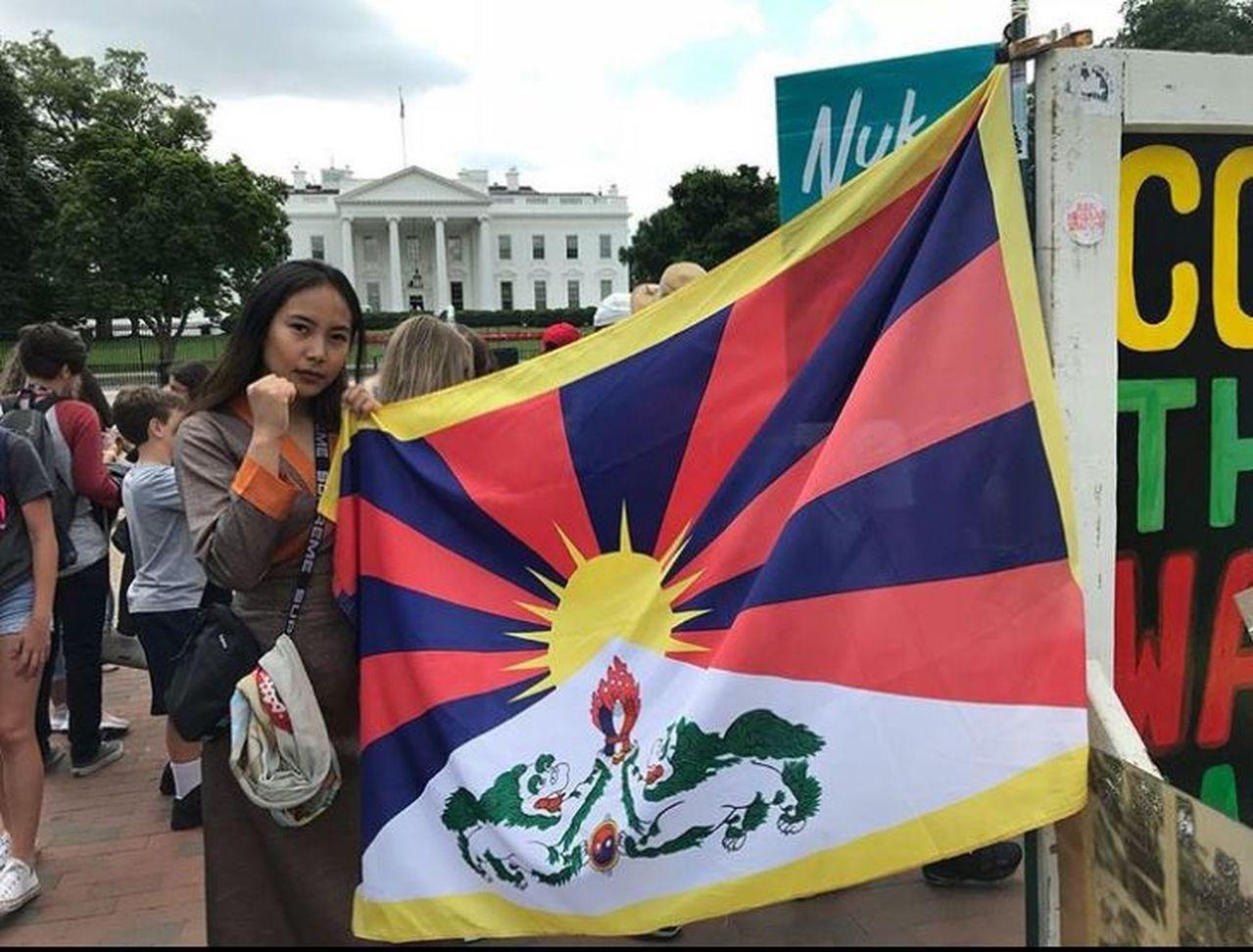 中國留學生攻擊藏獨,多倫多大學成角力場。 世界日報記者蘇妍鳳/攝影