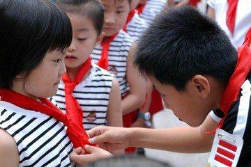 「為中華之崛起而讀書!」——中國中小學課本裡的愛國主義
