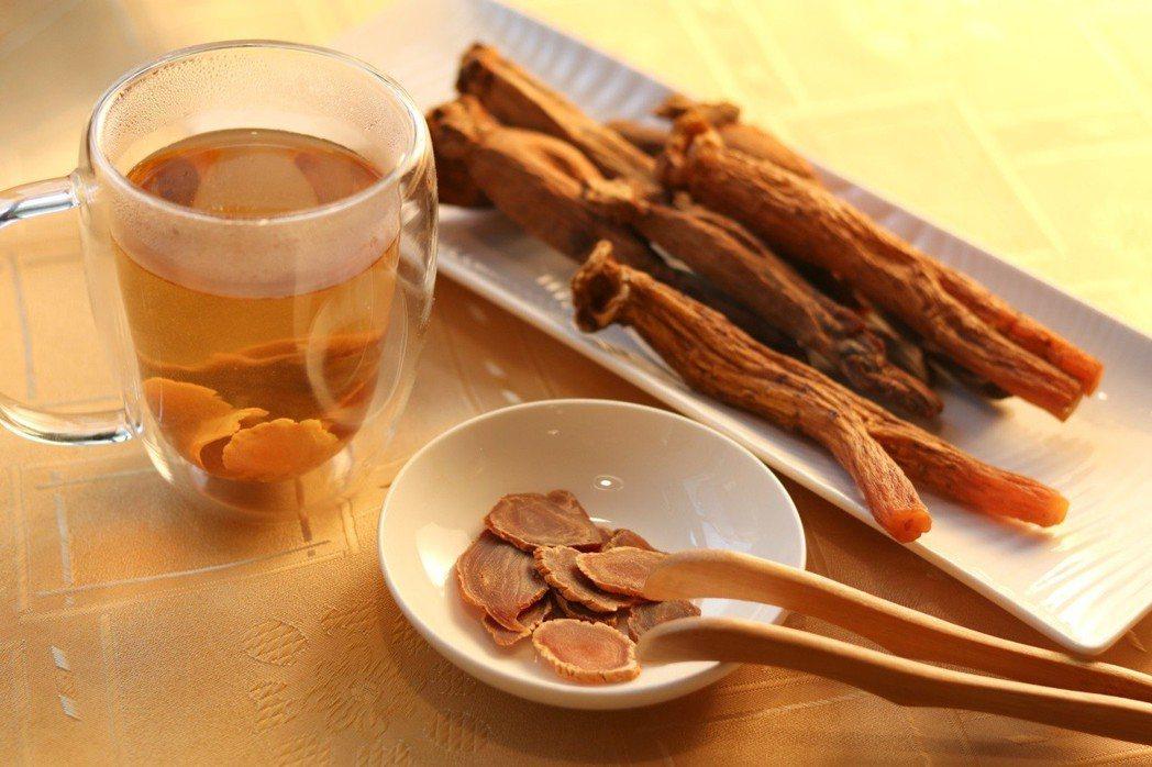 高麗蔘富含人蔘多醣體,含有30多種人蔘皂苷成分,可補充元氣。