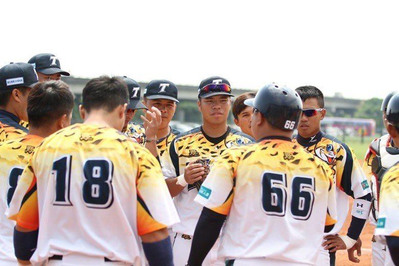 台壽保隊協助中信兄弟養兵,可視為中信三軍,無論是對球團或球員都算是不錯的規劃。 ...