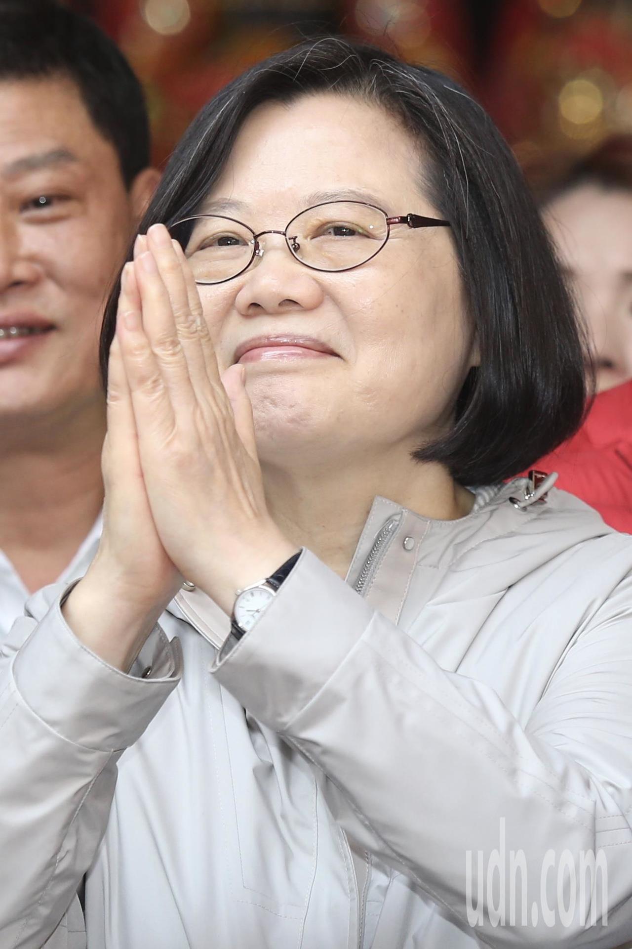 政治大學台灣文學研究所教授陳芳明說,民進黨忽略台灣新世代崛起,總統蔡英文仍持續與...
