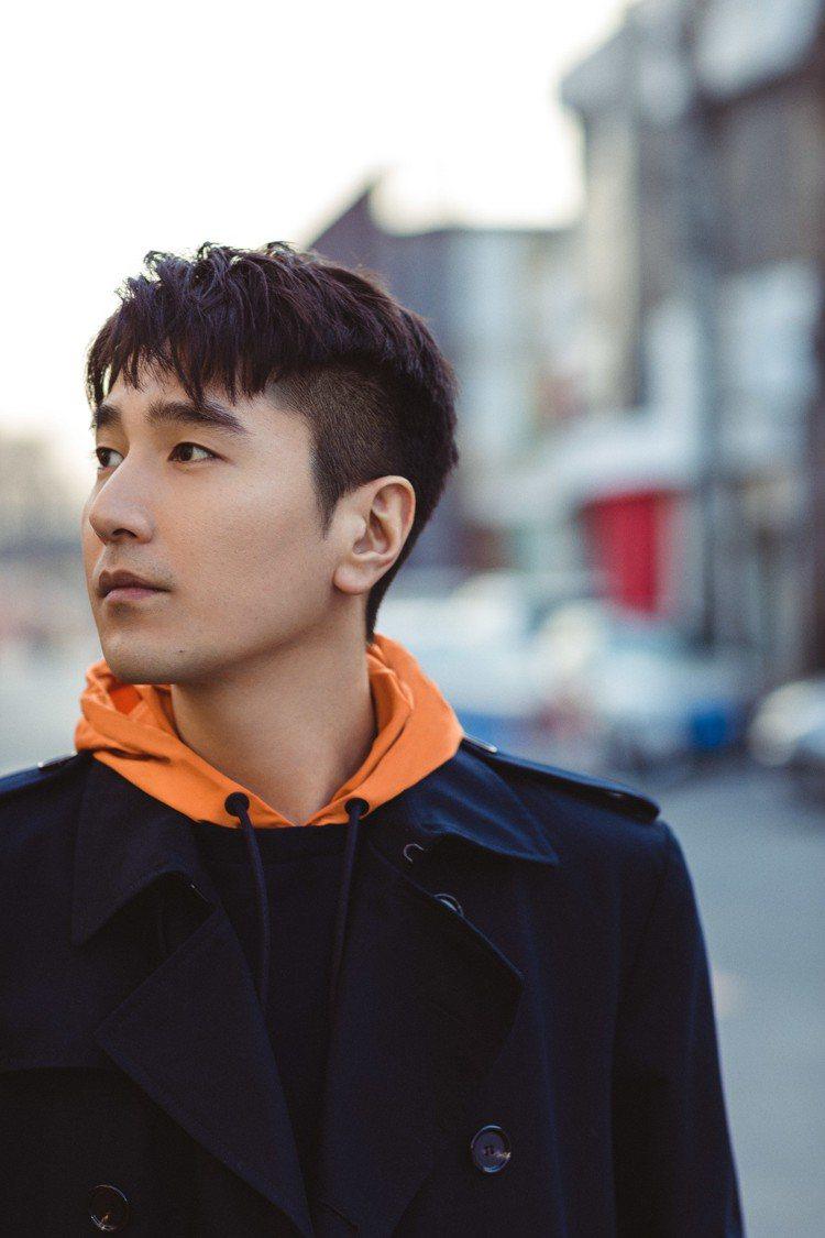 趙又廷現身機場的時尚穿搭,因為年輕有活力,倍受粉絲的喜愛與肯定。圖/BOSS提供