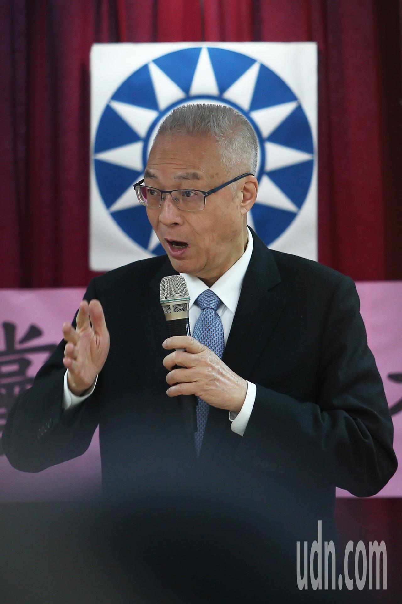 國民黨黨主席吳敦義上午出席台北市黨部新春團拜,針對外界拱「吳朱配」表示我現在不能...