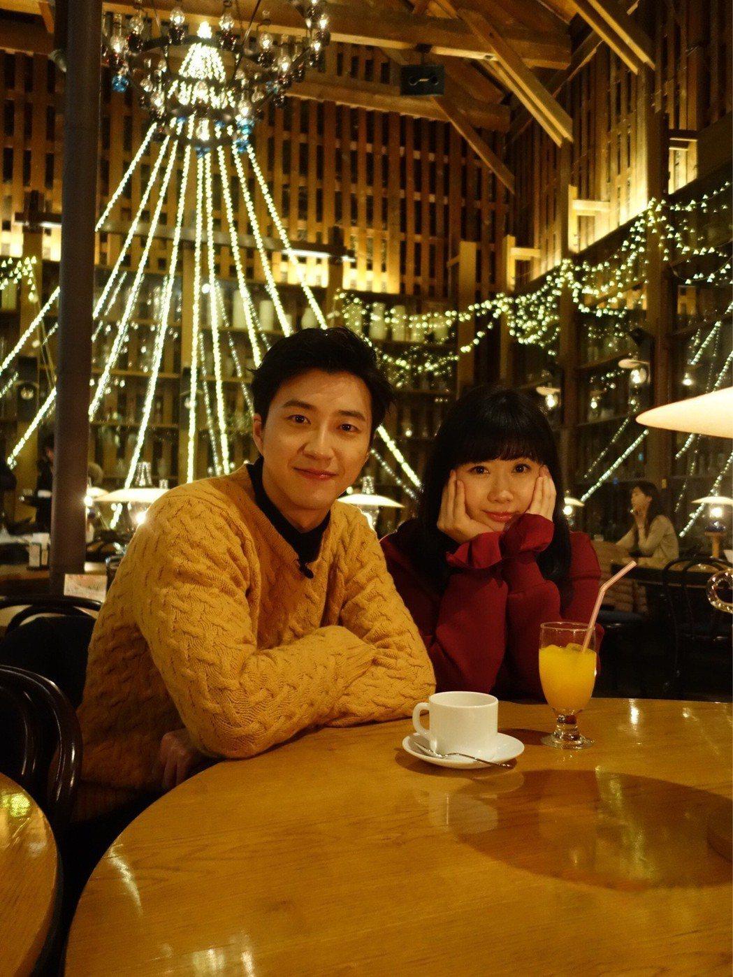江宏傑和福原愛年初在北海道度甜蜜假期。圖/華研提供