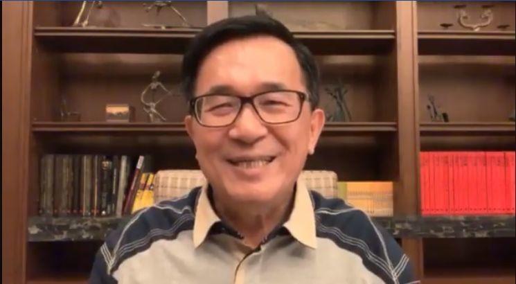 前總統陳水扁過年前對時局表達一些看法,他認為有意參選總統者多人要訪美,都只是外銷...