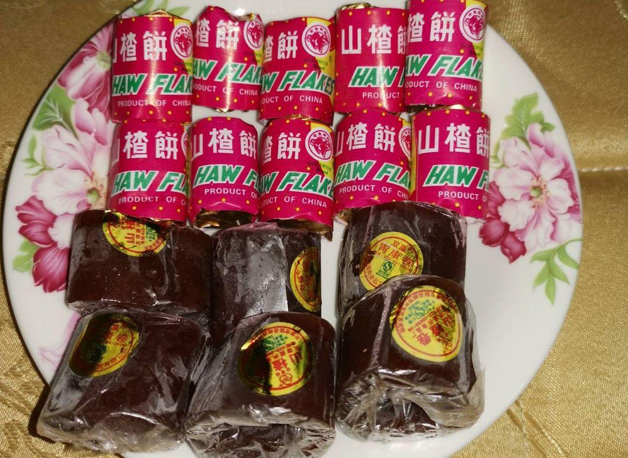 中醫師蔡惠君提醒,不少市售山楂片、山楂餅為了口感,會添加大量的糖,雖然消食除脹,...