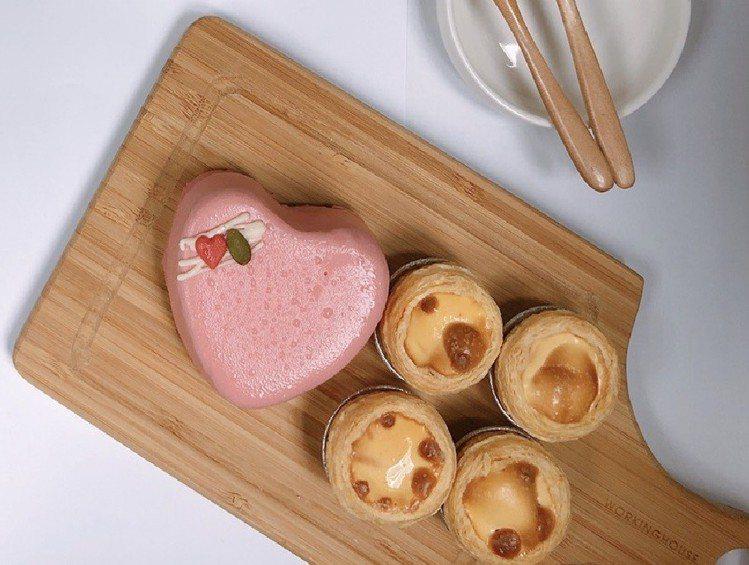 OKmart粉紅戀愛巧克力擁有小巧可愛的心型造型,適合下午茶品嘗。圖/OKmar...