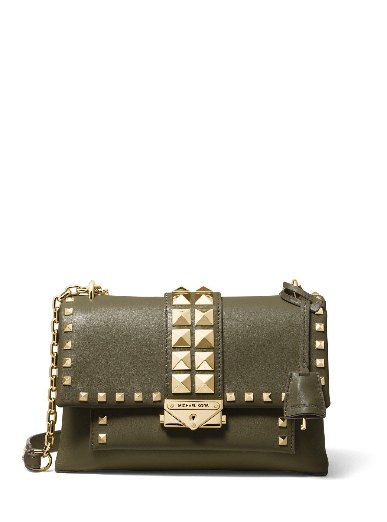 CECE鉚釘牛皮橄欖綠單肩鍊帶包,售價22,500元。圖/MICHAEL KOR...