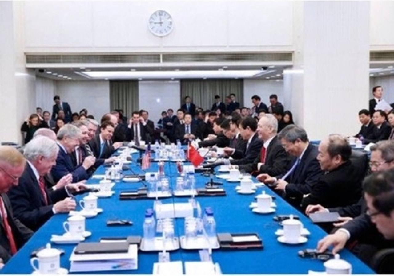 據曝光的照片顯示,大陸國務院副總理劉鶴是在今日上午九點鐘現身。取自香港01新聞