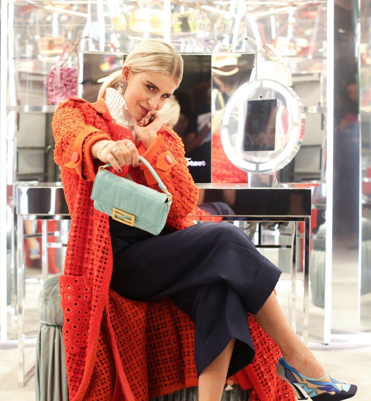 Caro Daur穿出FENDI帥氣與個性之美。圖/FENDI提供