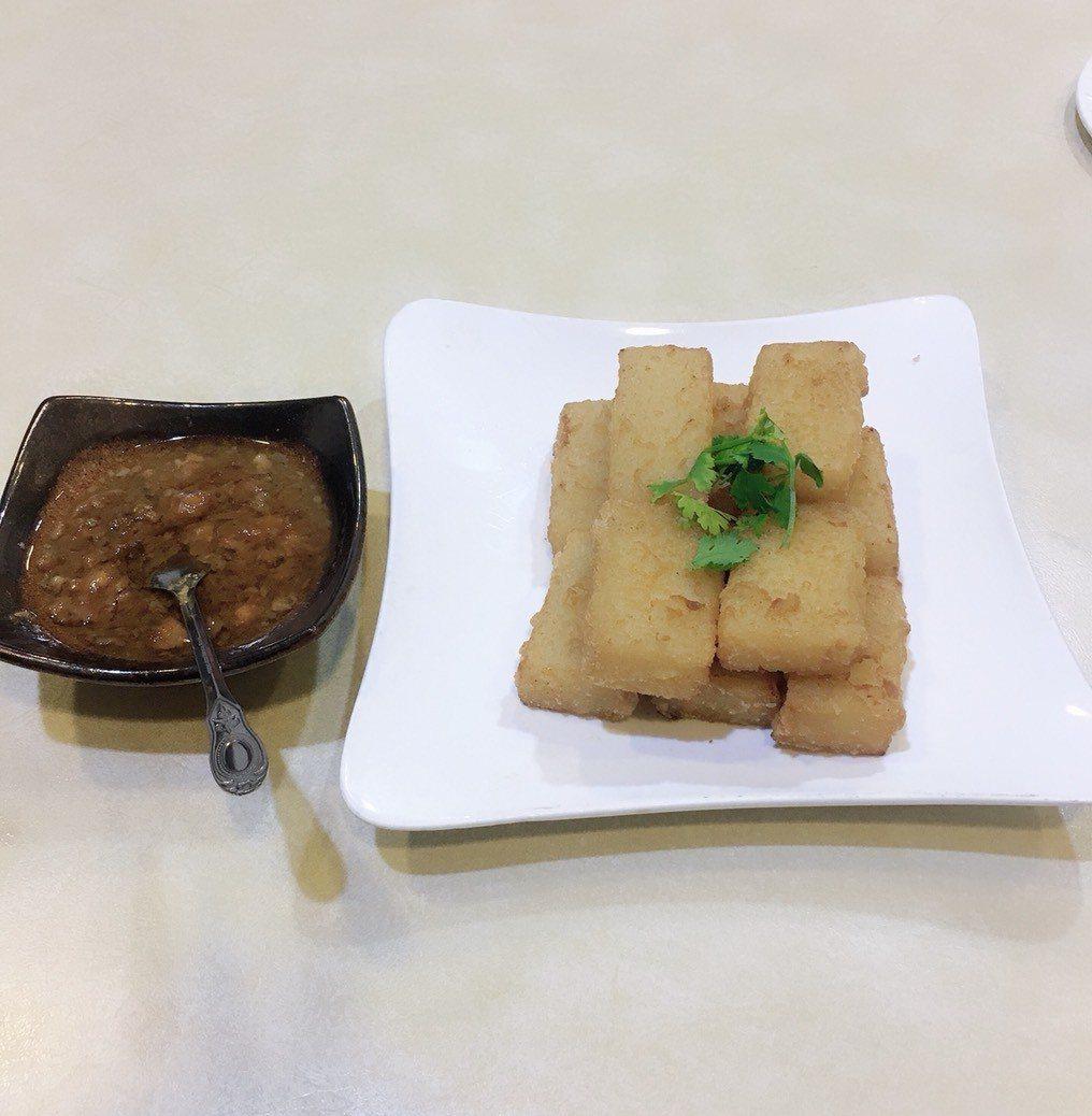 彰化市芳月亭餐廳的古早味蘿蔔糕,讓很多老饕回味不已。記者劉明岩/攝影