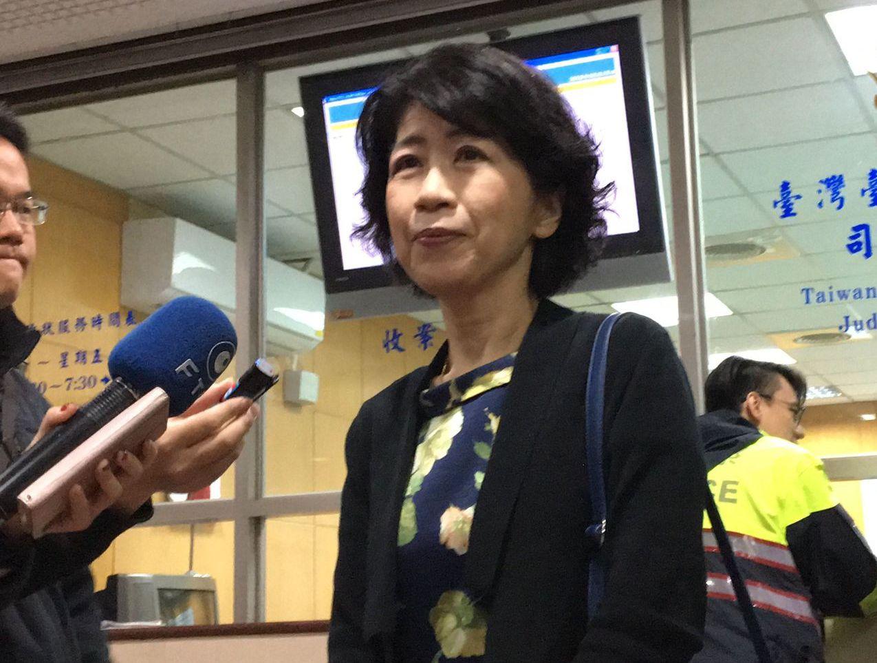 陳佩琪控告三立「54新觀點」,陳昨天首度出庭,哽咽訴說遭抹黑的心情。 記者林孟潔...