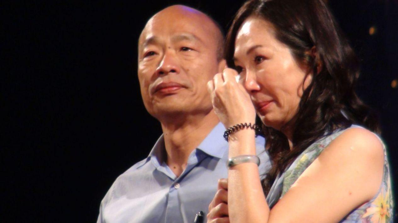 去年選前之夜,李佳芬在台上落淚,久久未能開口。 圖/聯合報系資料照片