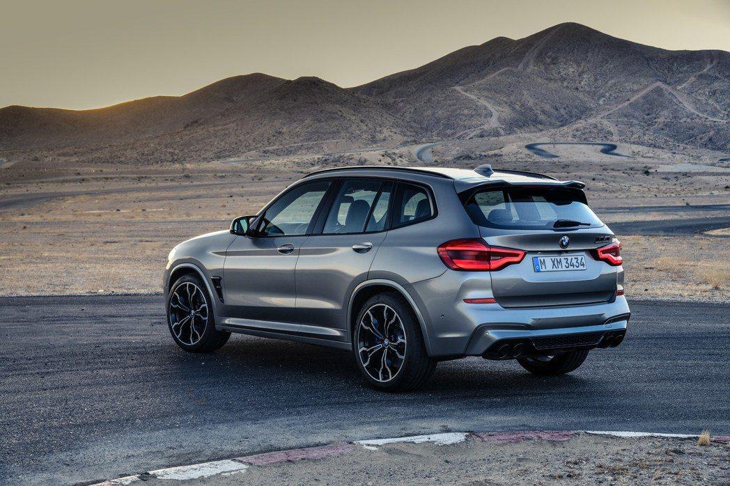 除了標準版M系列外,BMW還連帶推出了X3 M Competition。 摘自B...