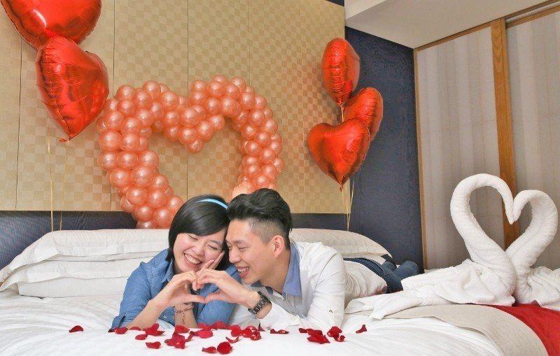 「老爺情人月-瀟灑女力」住房專案加碼抽獎,情人有機會入住上萬元氣球主題房。  業...