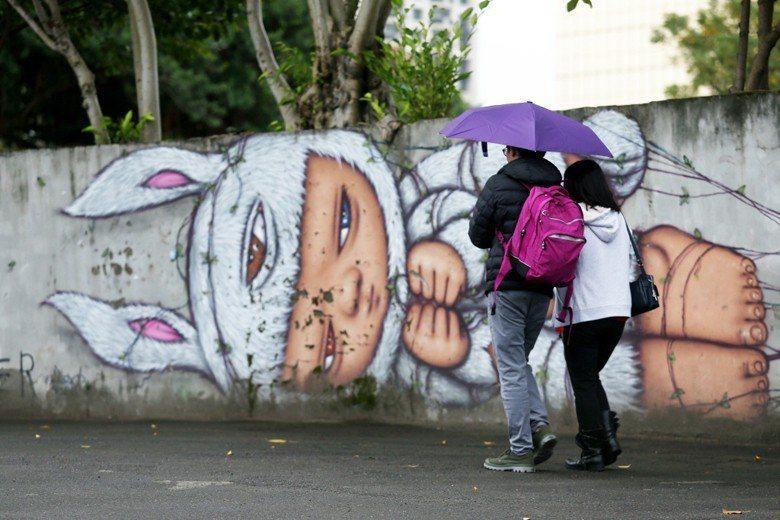 最新107年臺灣人口統計結果出爐,全國只有18萬1601個新生兒,為史上第二低。...