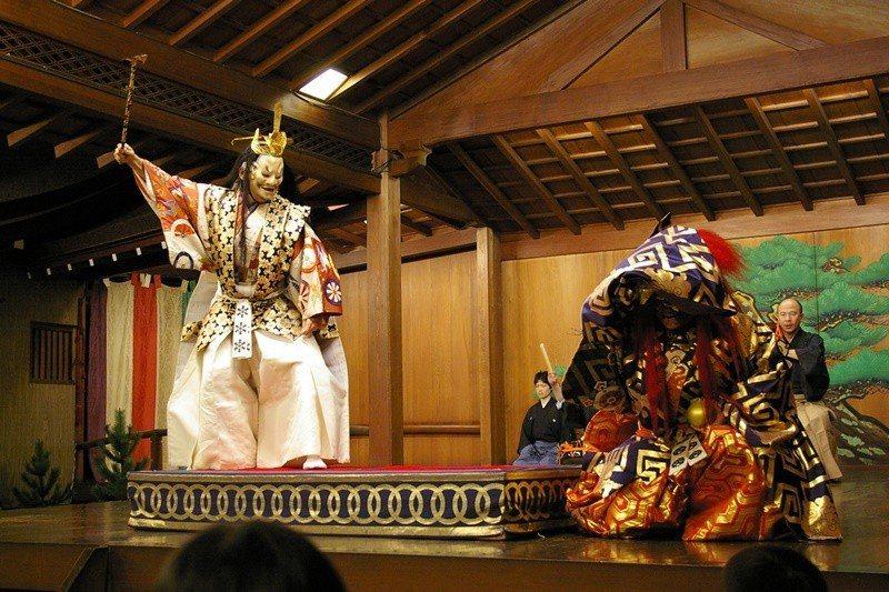 深受日本武士喜愛的表演藝術「能」,具有700多年歷史。