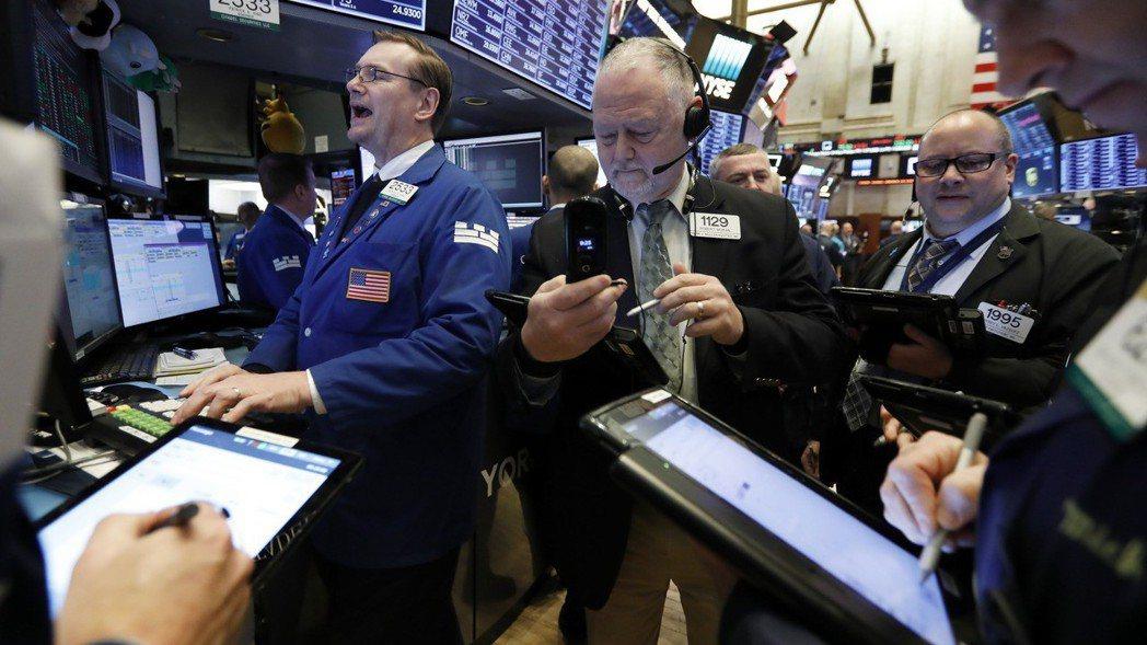 受美中貿易談判樂觀前景激勵,美股周二大漲。  (美聯社)