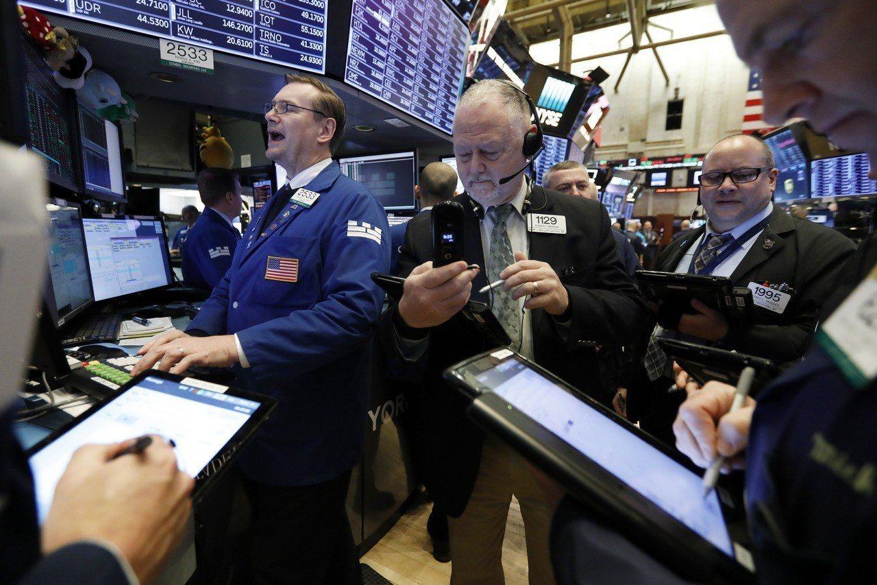 受美中貿易談判樂觀前景激勵,美股周二大漲。 美聯社