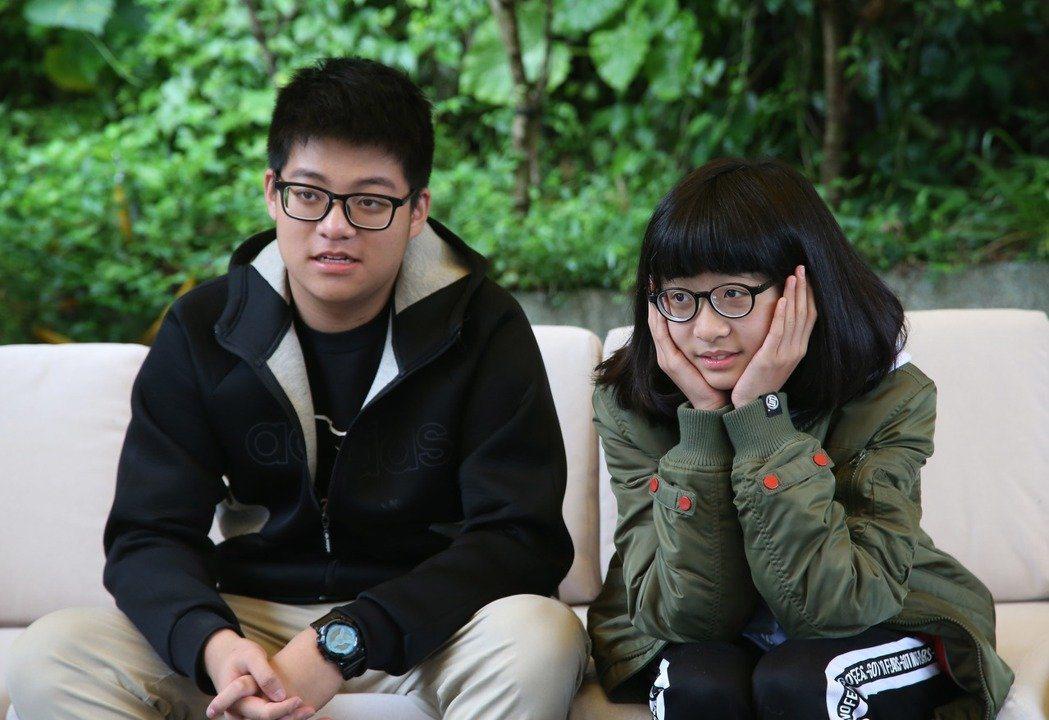 呂元鐘和袁義(左一)、袁融相處融洽。本報資料照