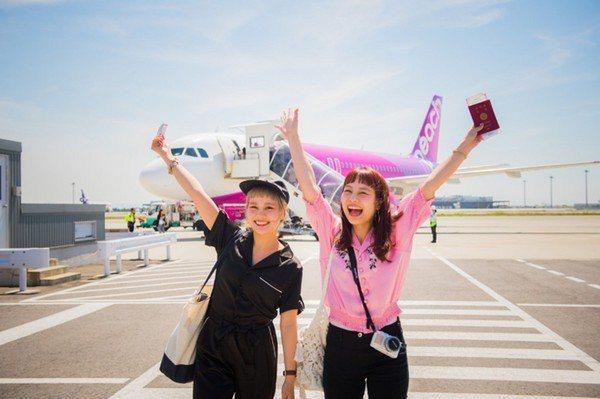 樂桃航空從2月14日起推出為期3天的促銷,最低為台北飛大阪580元起。圖/樂桃航...