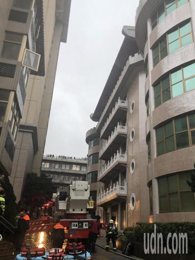 中國文化大學大典館5樓下午發生火警。記者蘇健忠/攝影