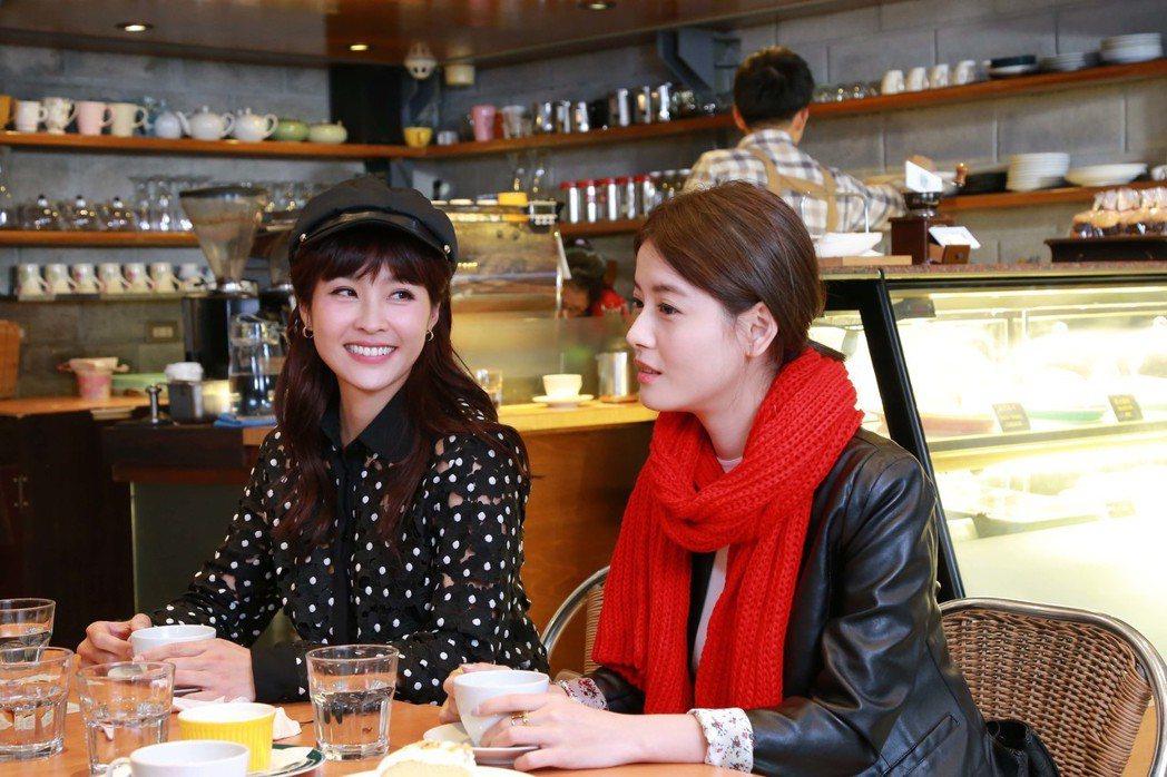小嫻(佐)與王樂妍劇中成了情敵。圖/TVBS提供