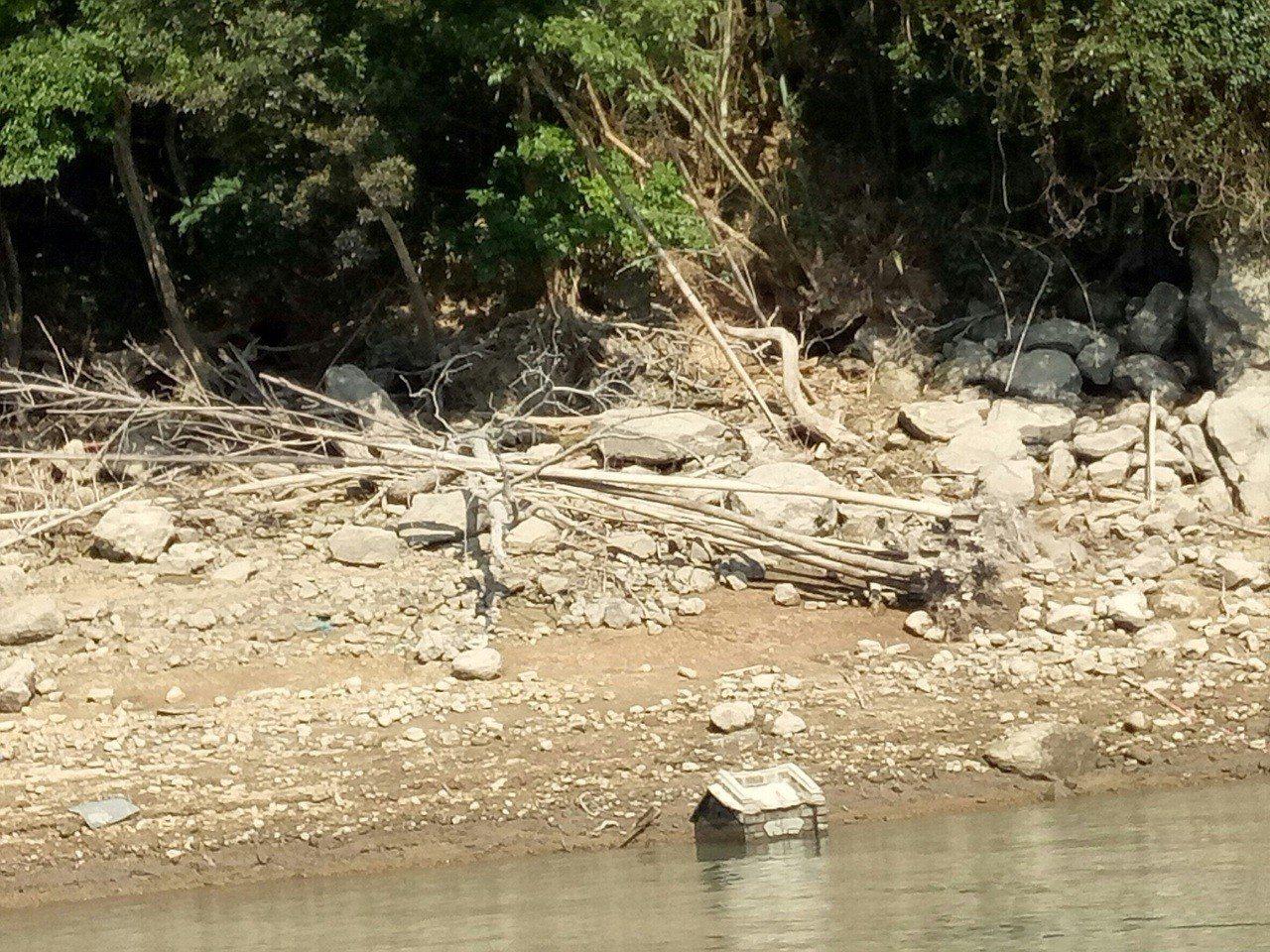 土地公廟露出水面是石門水庫枯水期初期指標。 圖/北區水資源局提供
