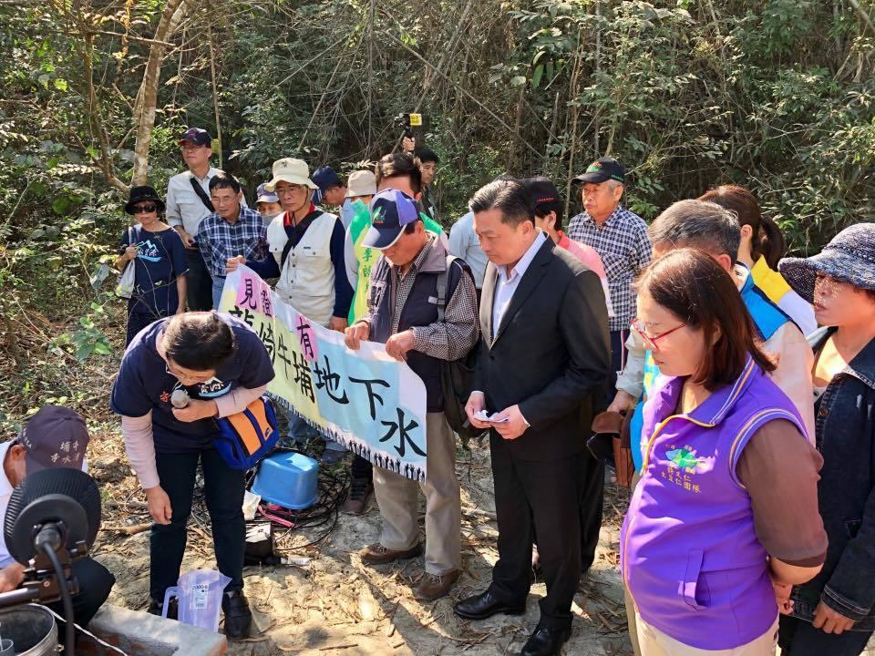 台灣水資源保育聯盟等環團進行龍崎牛埔地下水調查,昨公布調查結果,認為該地存有豐沛...