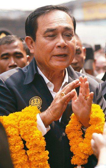 泰國媒體民調顯示,尋求連任的總理帕拉育獲得最高的支持率。 (歐新社)