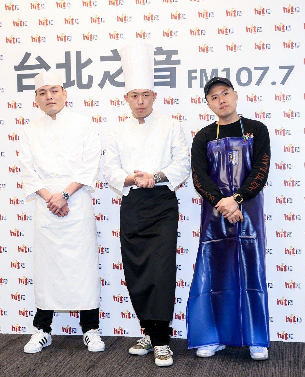 玖壹壹昨天化身主廚宣傳新單曲「男子漢的浪漫」。記者鄭清元/攝影