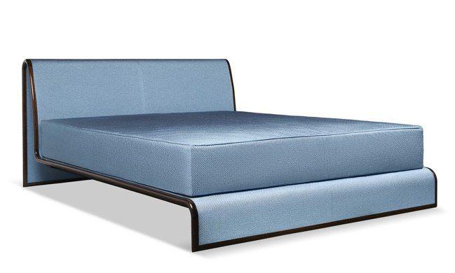 Morfeo床具,其中央部分支撐著床墊,呈現出好似懸浮於床頭和床尾之間,保持了簡...