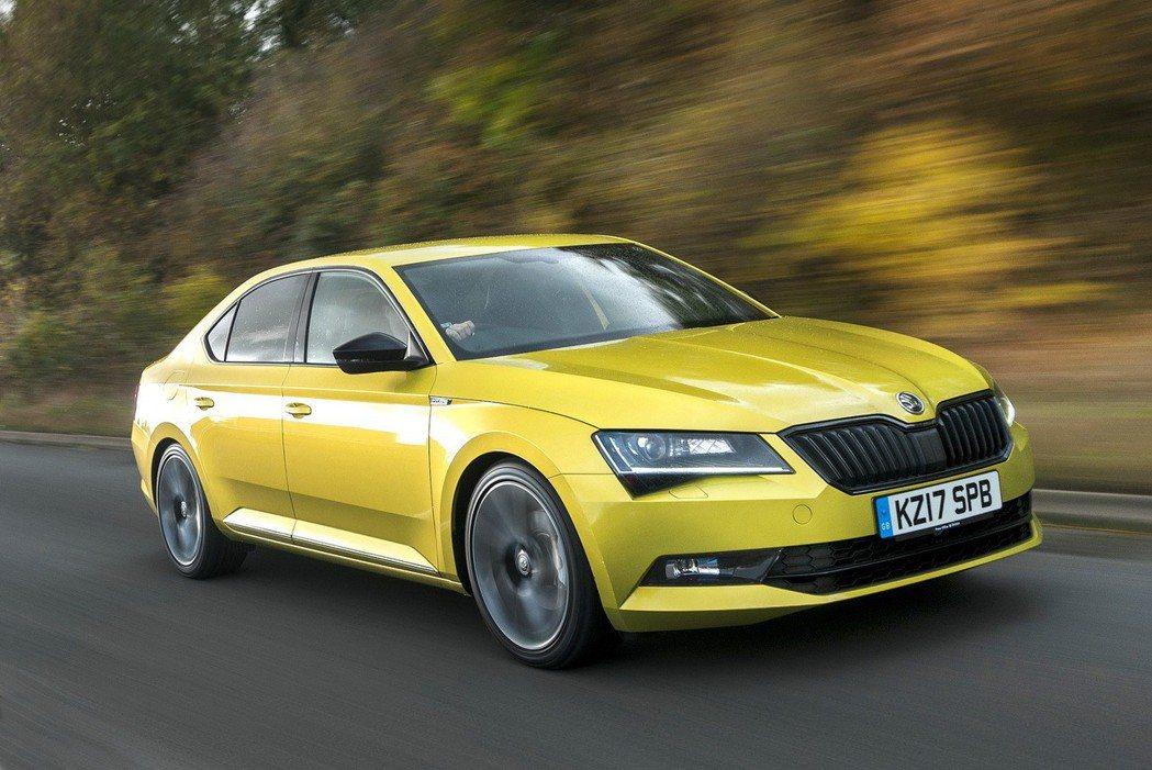 ŠKODA Superb PHEV插電式油電混合動力車預計在今年就會亮相。 摘自...