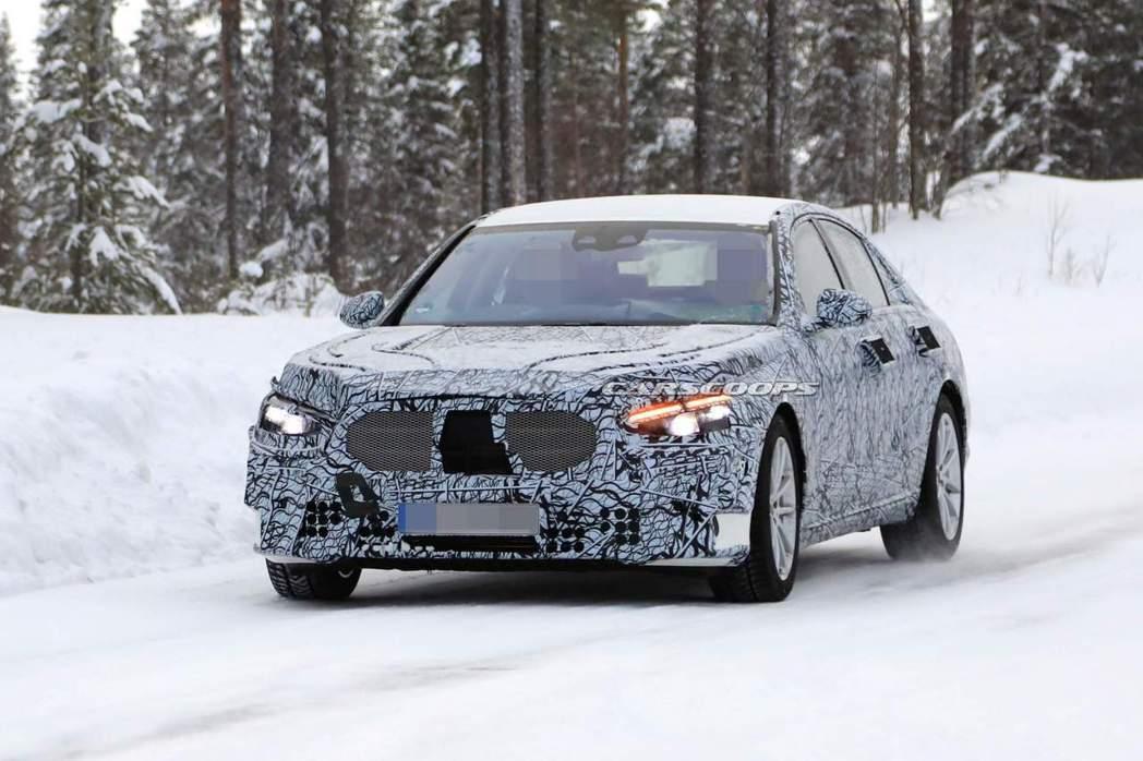 新世代Mercedes-Benz S-Class (W223)預計今年就會現身。...