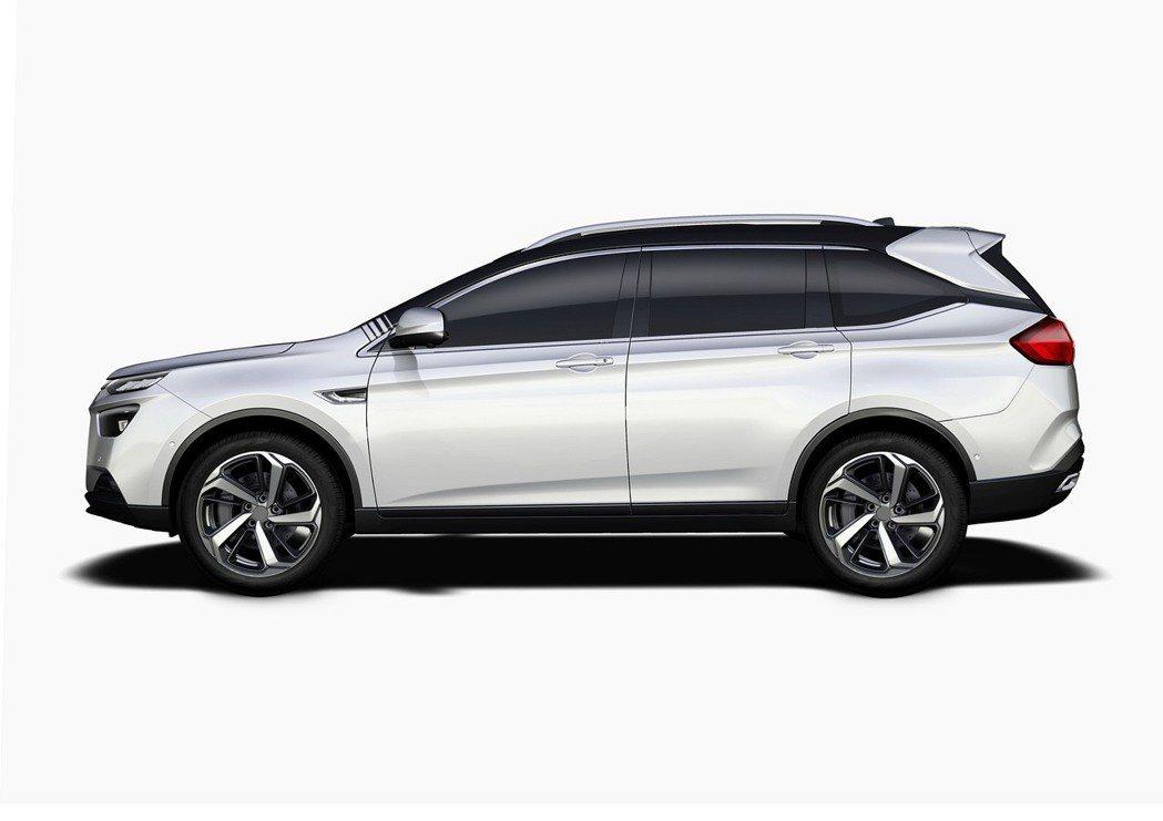 URX將是LUXGEN第一部導入ACC的車款。 圖/Luxgen提供